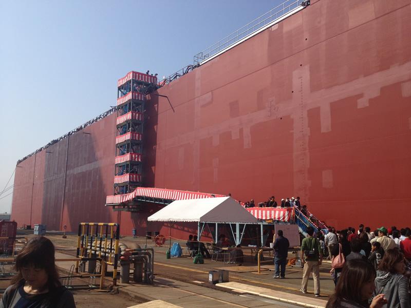 造船見学 デッキへ上がる階段