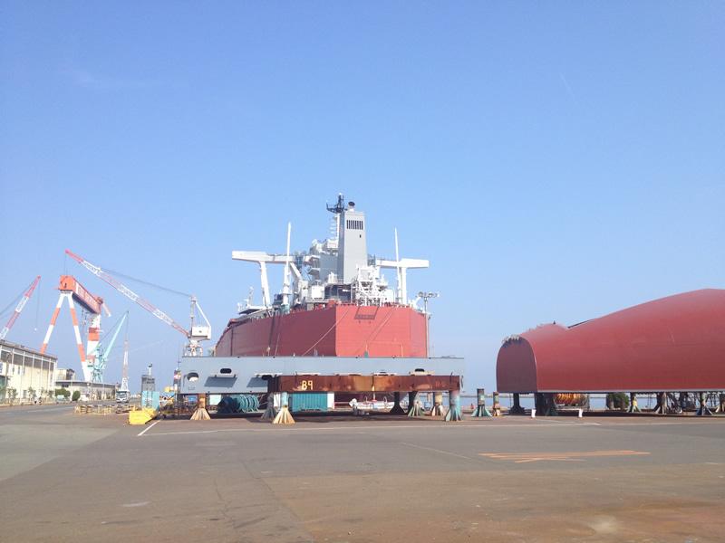 ユニバーサル造船の船