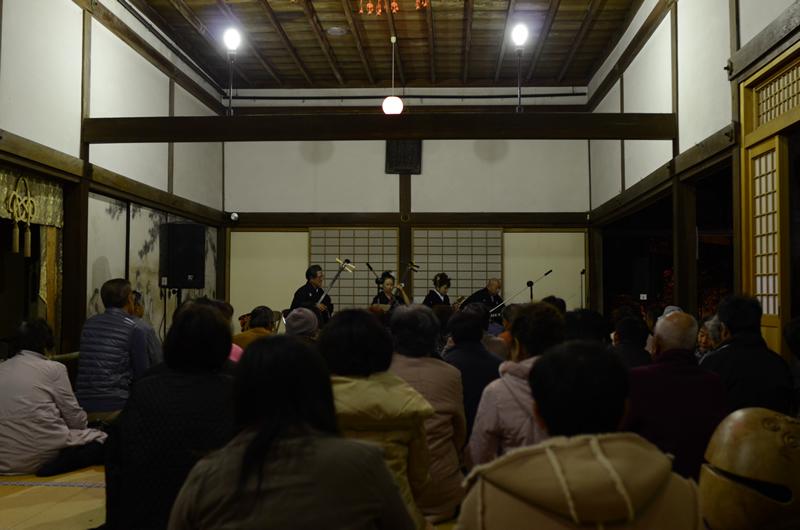 永源寺本堂での三味線演奏