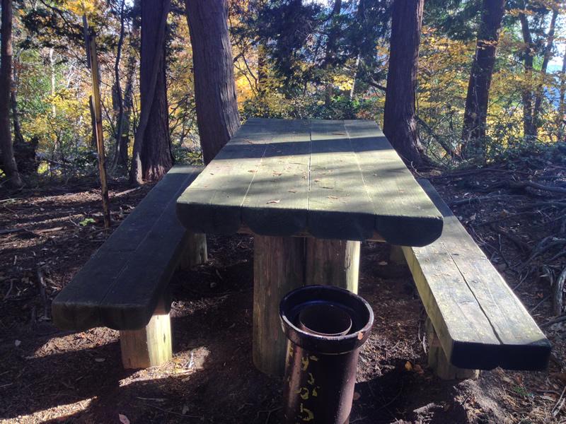 林道の休憩所