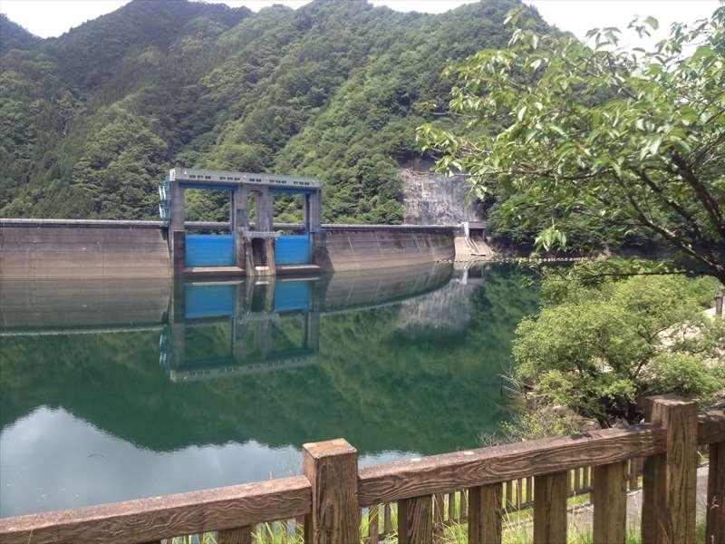 新豊根 ダム湖