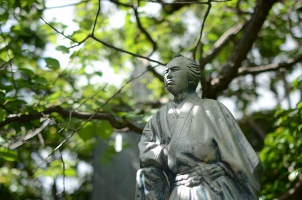 寺田屋の坂本龍馬像
