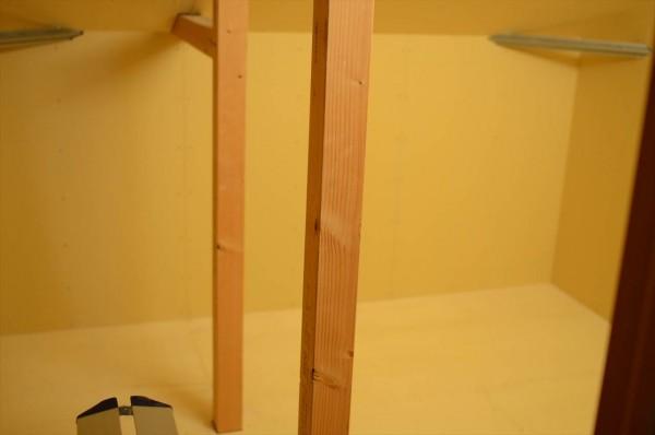 石膏ボード板張り物置室